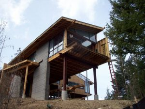 Ravenwood Modern - Overhang